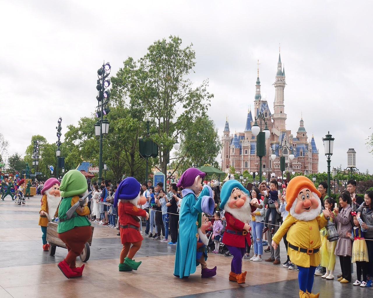 theme-park-2317107_1280