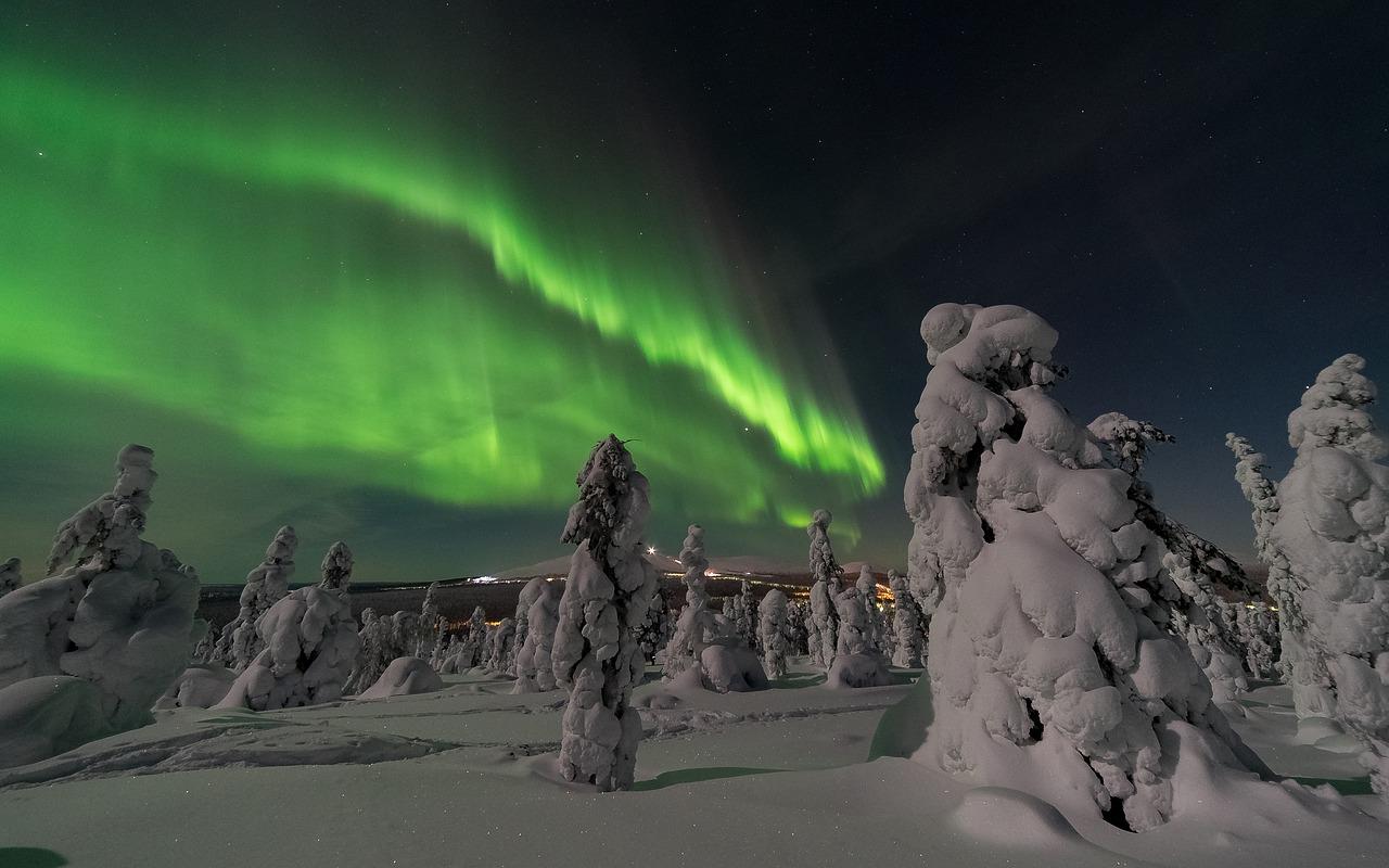 aurora-borealis-2959663_1280