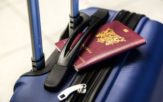 Как сделать загранпаспорт ребенку до 14 лет и старше