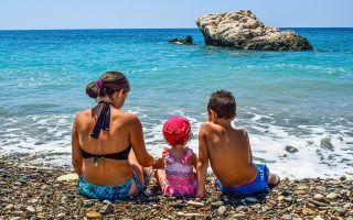 Куда поехать на море с детьми в октябре