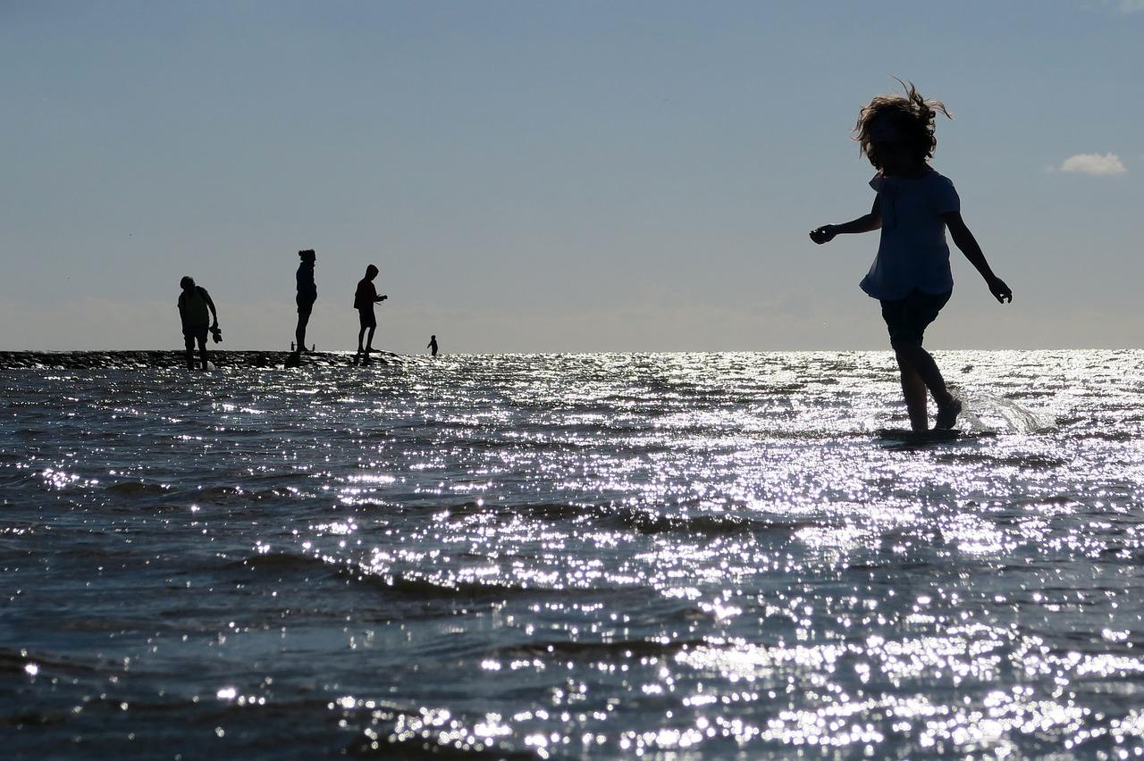 beach-1594733_1280