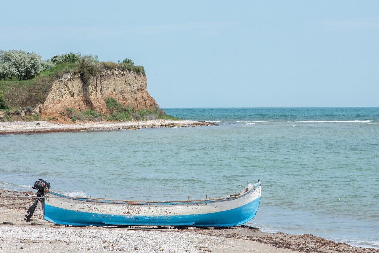 boat-2394805_1280